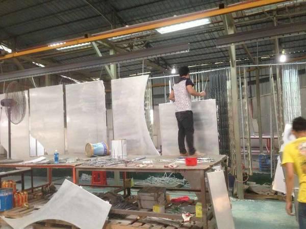 金铝质-喷涂线铝单板上下挂件区