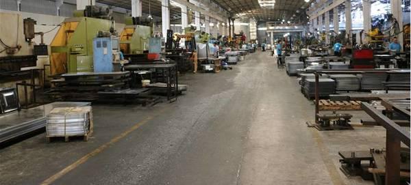 加工铝板设备排放区